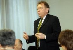 Dieter Engels, oberster Kontrolleur der Bundesfinanzen, besuchte gestern den Landkreis. FOTO: G. Carlucci