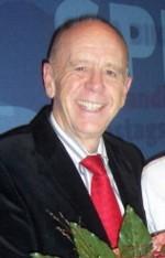 Hat allen Grund zum Strahlen: Walter Riester wurde mit dem Bundesverdienstkreuz erster Klasse geehrt.