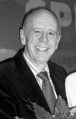 Hat allen Grund zum Strahlen: W. Riester wurde mit dem Bundesverdienstkreuz erster Klasse geehrt.