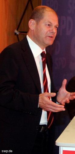 """Olaf Scholz: """"Nicht die falsche Entscheidung treffen."""" FOTO: Staufenpress"""