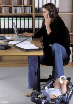 Job und Kind: Künftig kein Problem mehr? Foto: NWZ-Archiv
